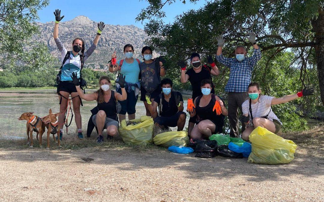 Liberamos más de 30 kg de basura del Embalse de Santillana en Manzares en Real